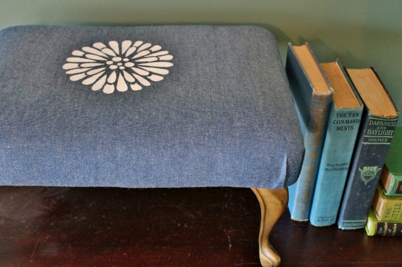 How to recover a vintage style denim stool (816x1200)