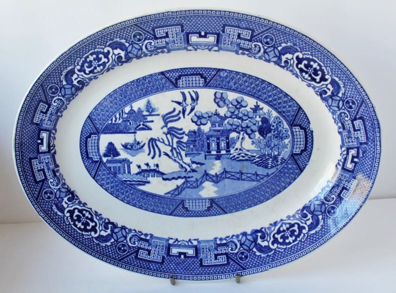 Vintage blue willo platter