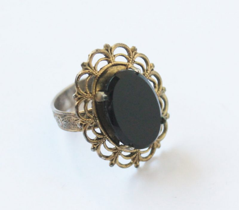 vintage-cocktail-ring-with-black-stone-1024x898