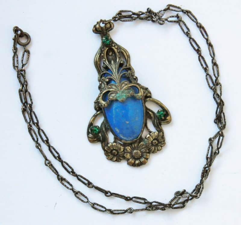 vintage-pendant-with-blue-stone-2-1024x953