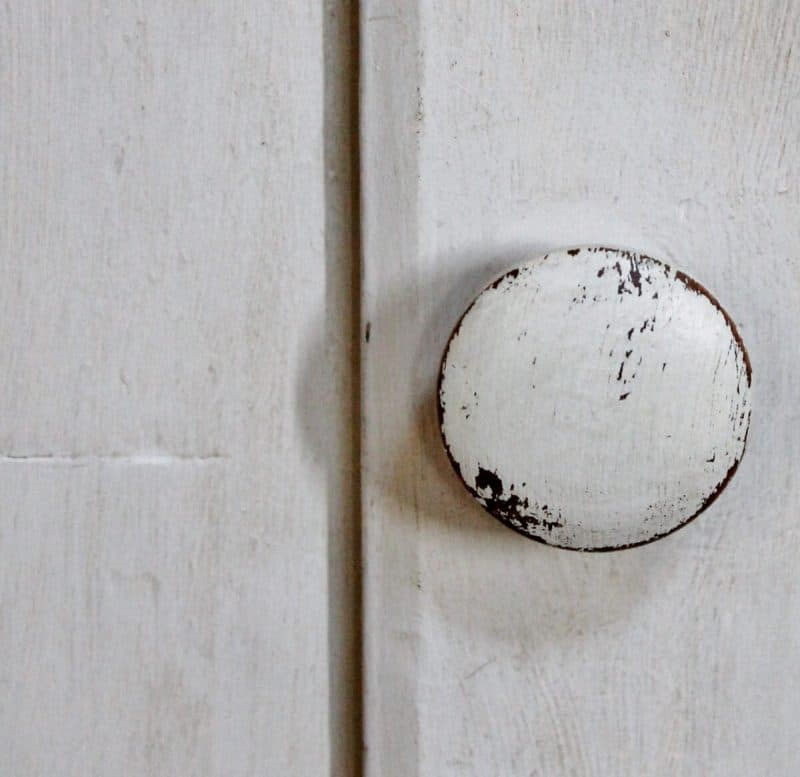 Close up of knob on Corner Cupboard with vintage makeover  (1200x1165)