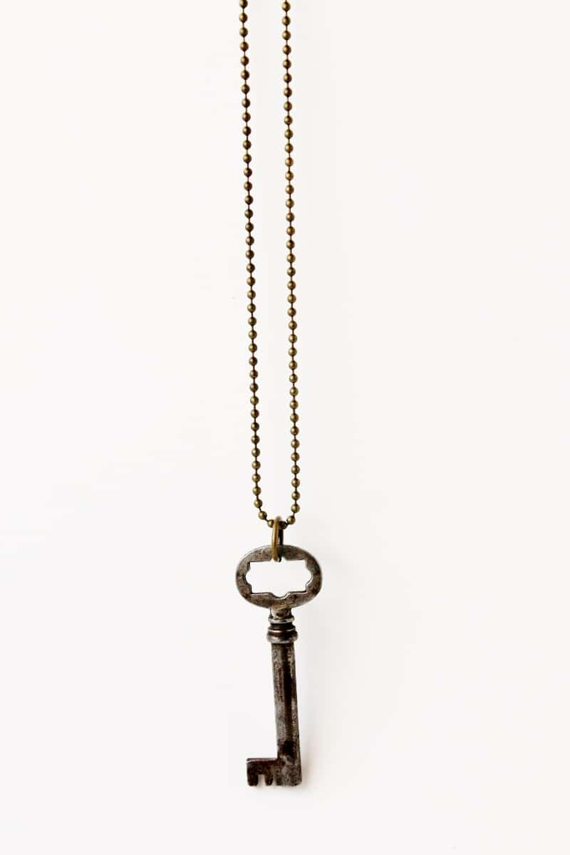How To Make A Necklace With An Antique