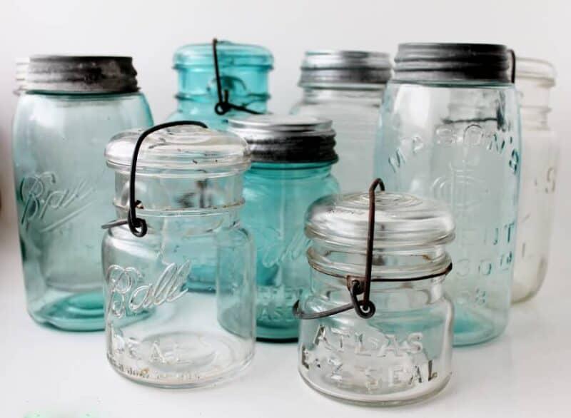 collection vintage tendance de vieux pot en verre
