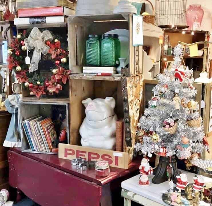 Gristmill Antique Center Booth At Christmas (1) (741x722